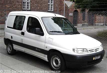 Citroen Berlingo, 4 x 2, 12V (Front view, right side)