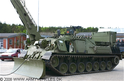 Leopard 1 Wisent ARV (Front view, left side)
