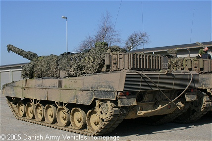 Leopard 2A5DK (Rear view, left side)