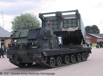 M270A1 (MLRS) (Front view, left side)