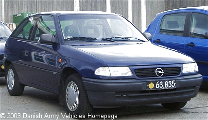 Opel Astra, 4 x 2, 12V (Front view, right side)