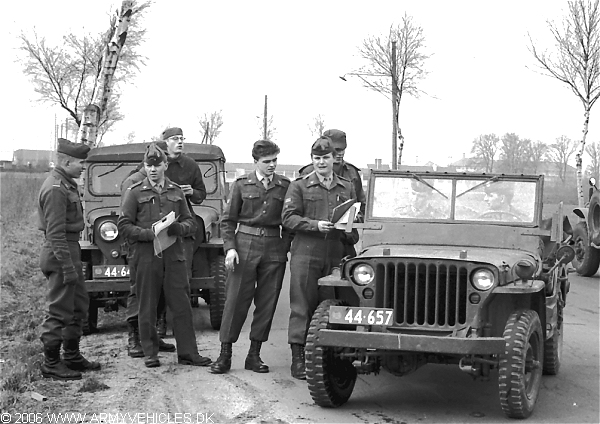 Willys MB, 4 x 4, 6V (Front view, left side)
