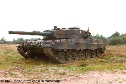 Leopard 2A4 (Front view, left side)